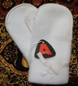 Vintage childrens mittens Acrilan white fleece gloves UNUSED 1950s boy girl